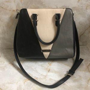 Steve Madden shoulder bag gray/Black/tan Sz M